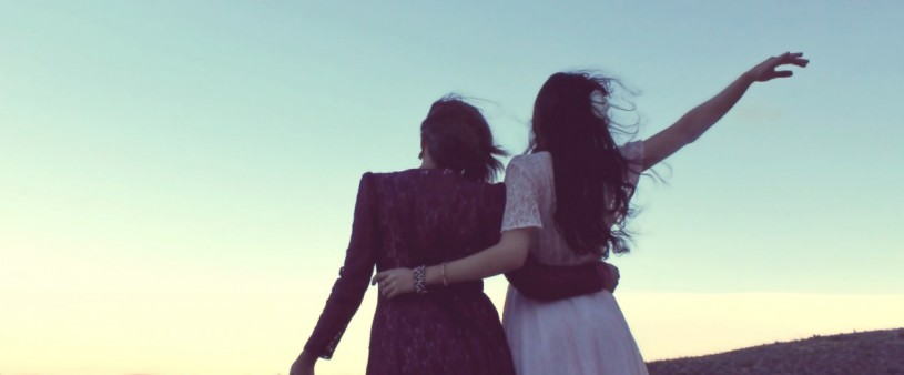 girlfriends_sunset_vintage_bohemian_fashion_goodbye_good_morning_free_spirit-970336.jpg!d